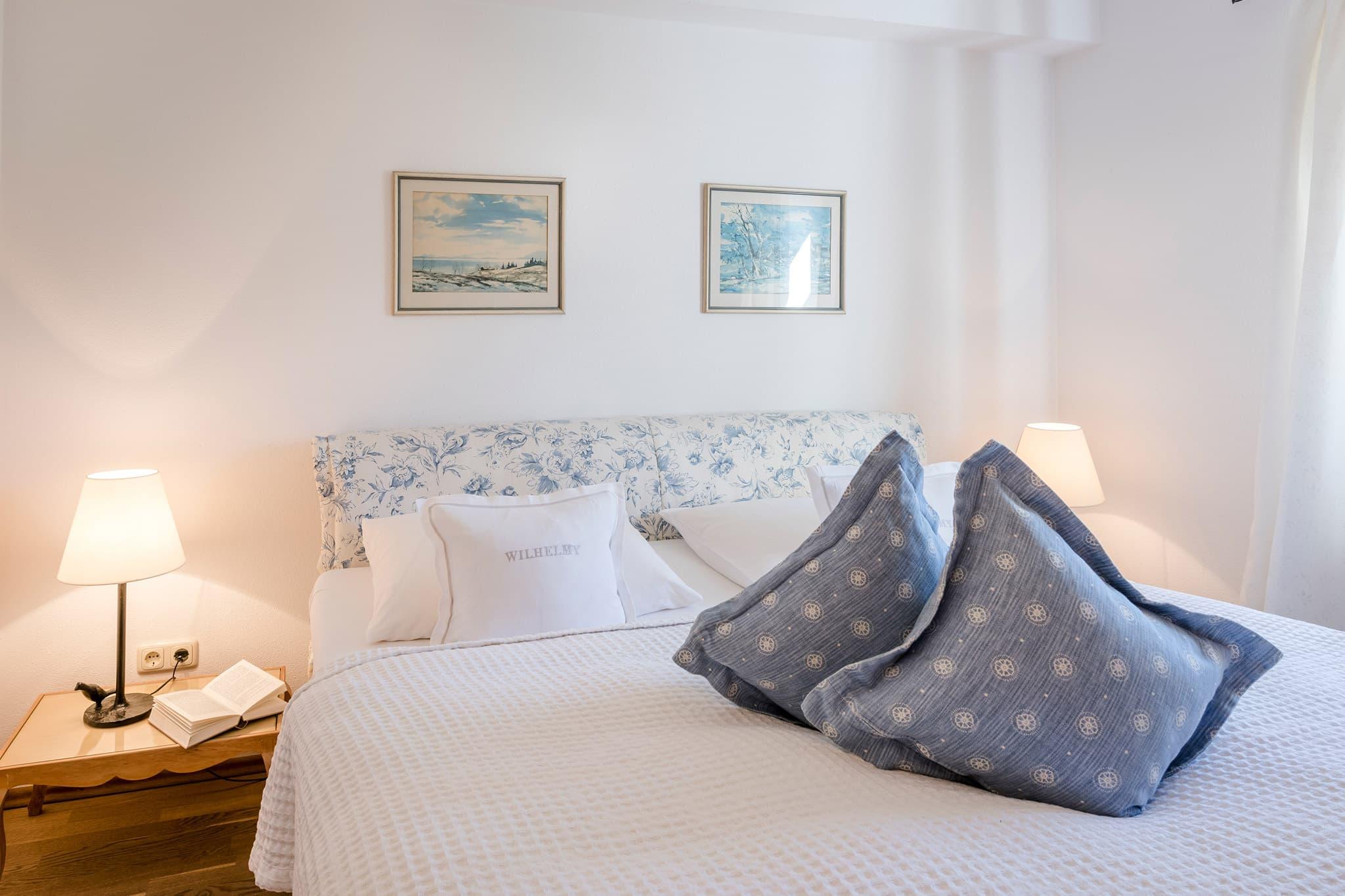 Zweiraum Appartement Suite Schlafzimmer Bett Relais Chalet Wilhelmy