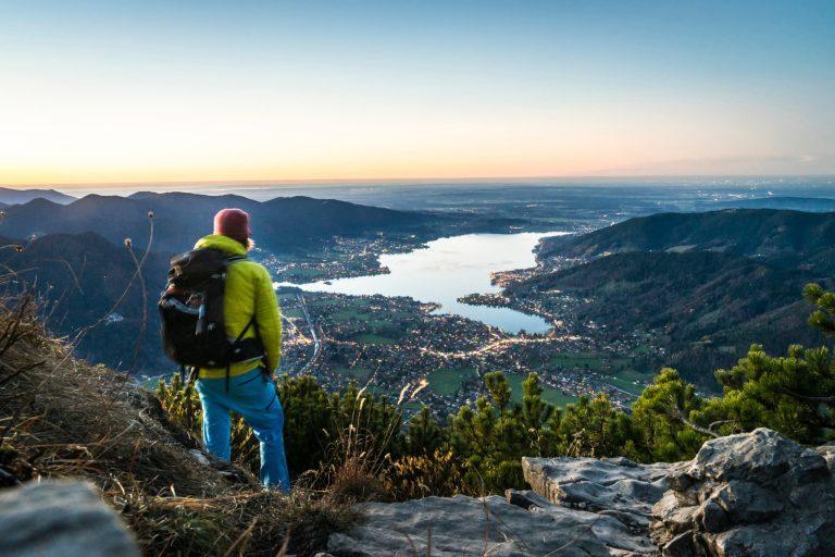 Blick über die Landschaftsidylle des Tegernseer Tales Relais Chalet Wilhelmy am Tegernsee