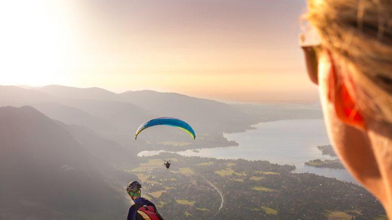 Gleitschirmfliegen am Tegernsee Relais Chalet Wilhelmy