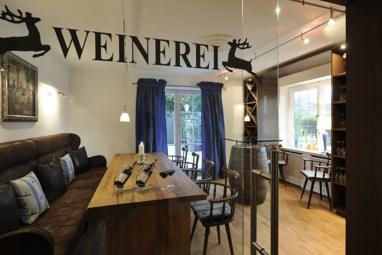 Blick in Weinerei Relais Chalet Wilhelmy