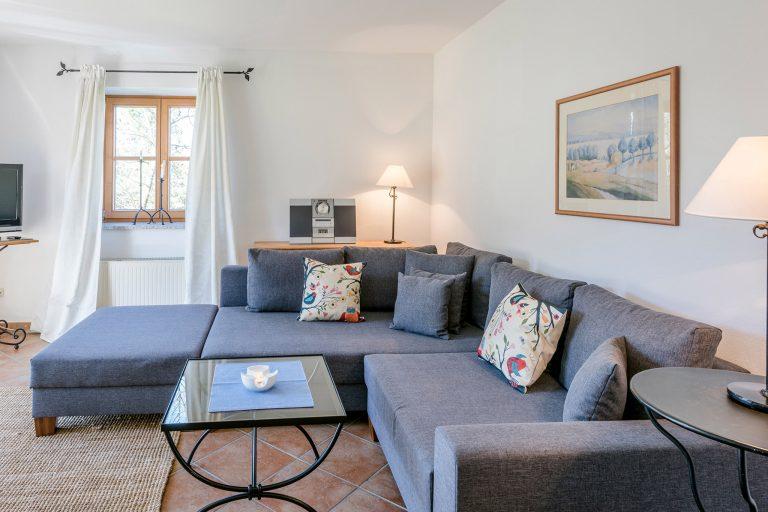 Zweiraum Appartement Sofa Raumansicht Relais Chalet Wilhelmy